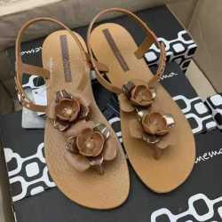 Ipanema 时尚花朵 平底时尚凉鞋 棕色 尺寸可选